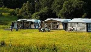 Chemietoiletten auf dem Campingplatz